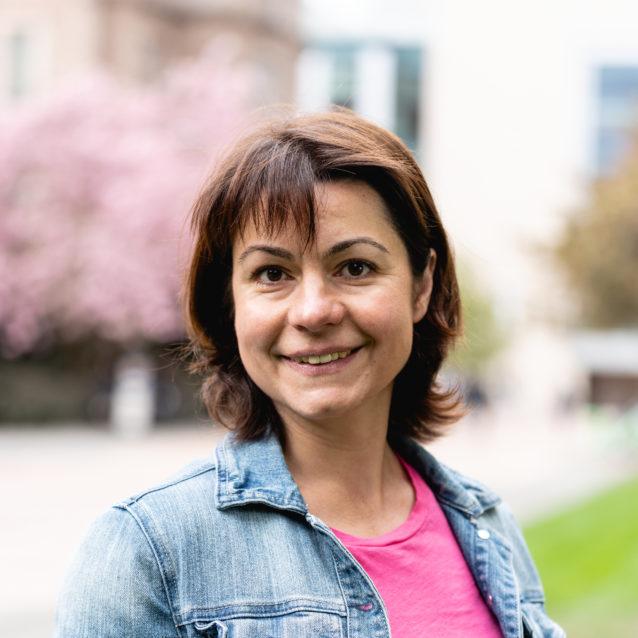 Elena Mohova, Hall Health